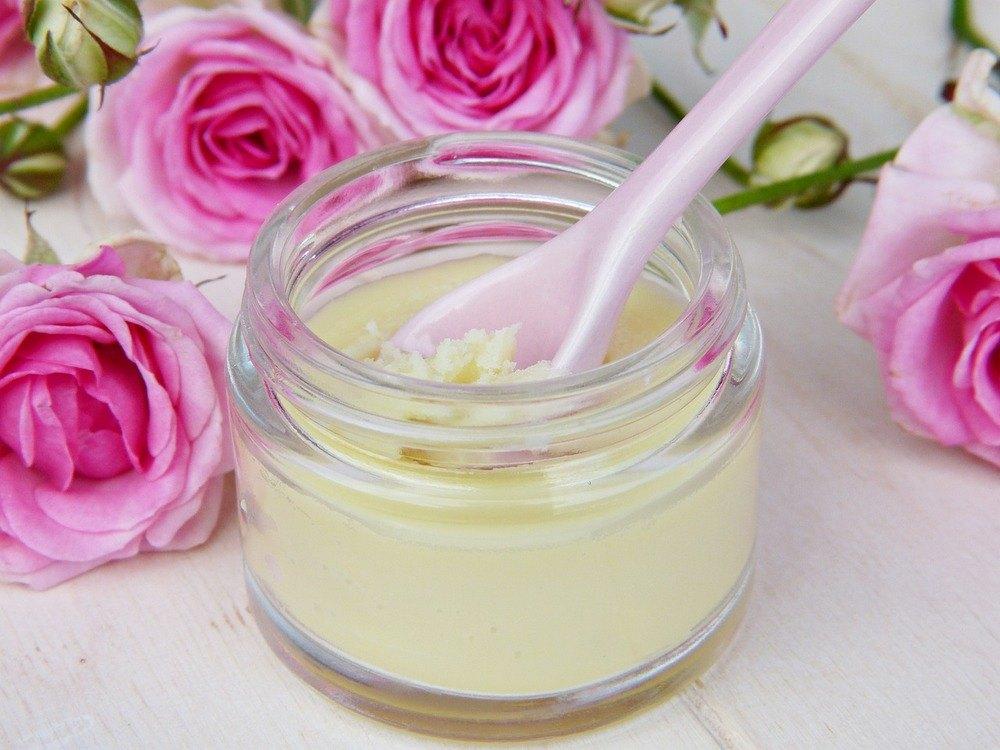 Få strålende hud med en lækker ansigts behandling